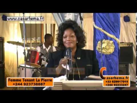 Conference sur la Femme Tenant La Pierre en Angola sur www casarhema