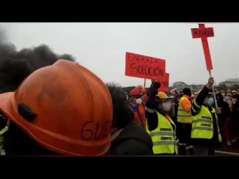 """Los trabajadores de Alcoa, en Ribadeo: """"Enerxía, solución"""""""