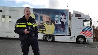 Eerste Korpschef Erik Akerboom bezoekt Mobiel Media Lab in Zeist