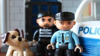 Играем В Конструктор (Lego Duplo) Полицейский Участок + Мультик Про Машинки Из Лего