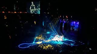 Coldplay & R.E.M.'s Peter Buck cover Free Fallin' by Tom Petty