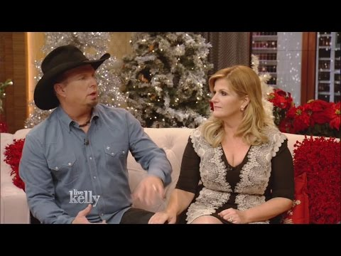 Listen to Garth Brooks and Trisha Yearwood talk about how they got engaged in Bakersfield, Calif.