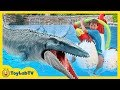 Jurassic World Fallen Kingdom Dinosaur Water Toys, Giant Mosasaurus & Fun Toy Dinosaurs Set for Kids
