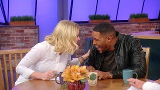 Michael Strahan + Sara Haines Go Head-to-Head Trying To Answer 100 Questions In 1 Minute
