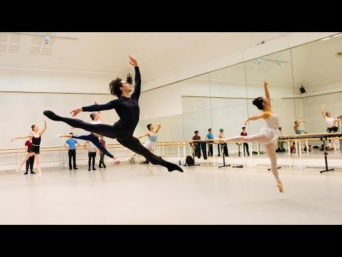 The Royal Ballet rehearse Enigma Variations