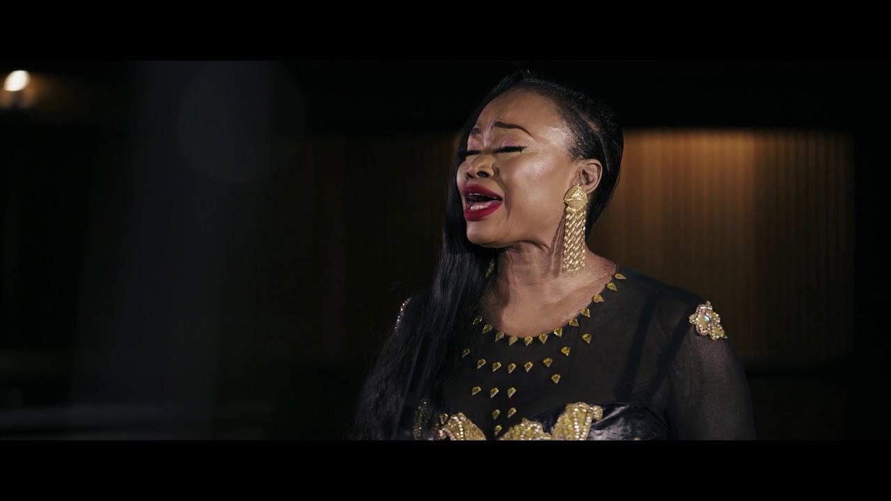 Download Oumou Sangaré - Saa Magni (Acoustic)