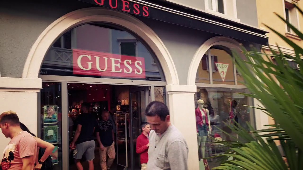 davvero economico corrispondenza di colore originale Guess palmanova outlet village, Italy - YouTube