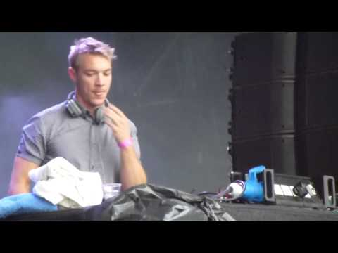 Diplo  Express Yourself ft Nicky Da B  @ SW4 2012