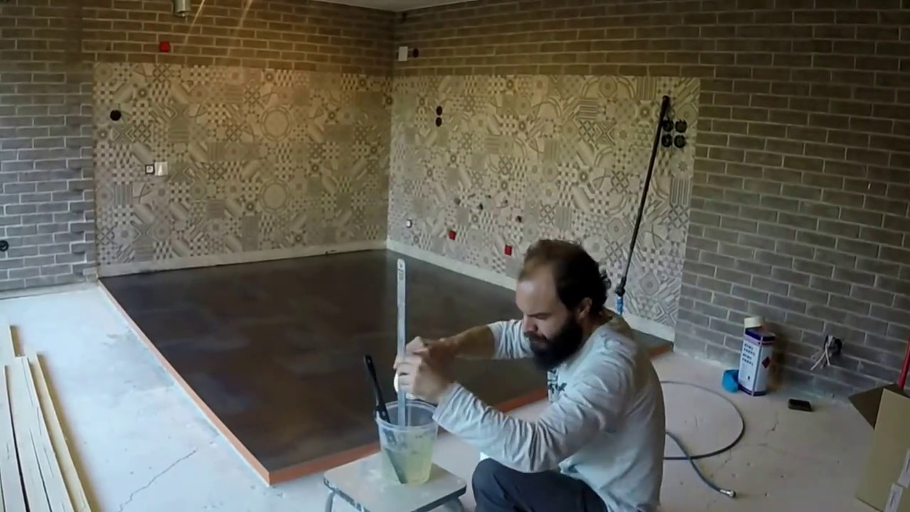 de la t le d 39 acier brut en rev tement de sol youtube. Black Bedroom Furniture Sets. Home Design Ideas