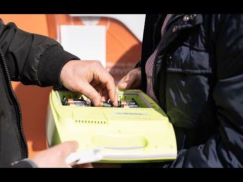 El Ayuntamiento vuelve a instalar el desfibrilador de la calle Jara