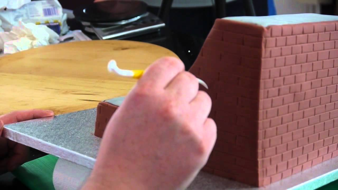 Making A Skateboard Cake