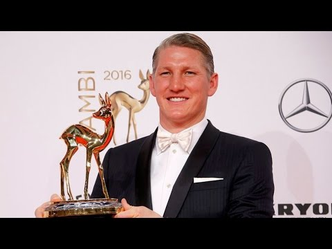 Bastian Schweinsteiger picks up 'Special Jury' prize at BAMBI awards