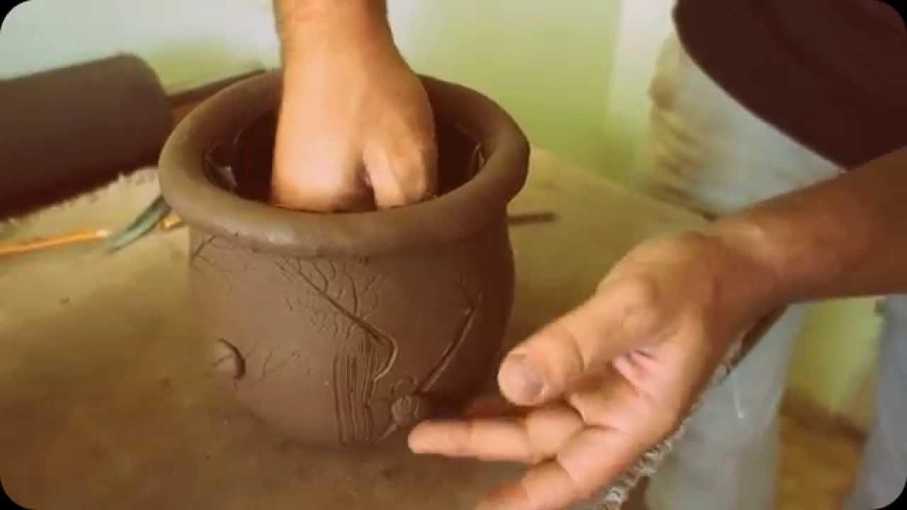 Лепешки из глины для попугаев! - YouTube