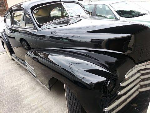 古い車の全塗装作業風景