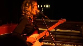 Anna Calvi  - No More Words - Huis 23
