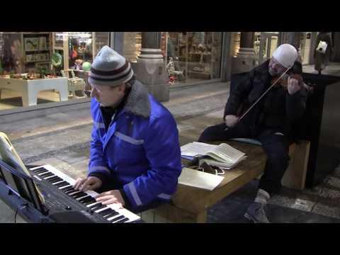 TCHAIKOVSKY: VIOLIN CONCERTO Op. 35.I. Allegro Mo, by Ladislav & Janis At Jorck Passage, Copenhagen