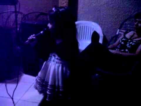 Hija de Guisela santa cruz cantando TEDEJO LIBRE.3GP