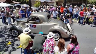 desfile de carros clasicos  y antiguos feria de flores 2018
