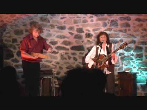 michele Lého et Billy chantent Alerte de Marc Robine
