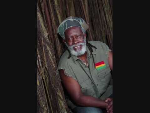 Burning Spear - The Sun & I Stand Strong -- Live