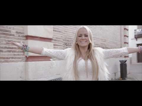 LA HÚNGARA -La niña bonita (Videoclip oficial)