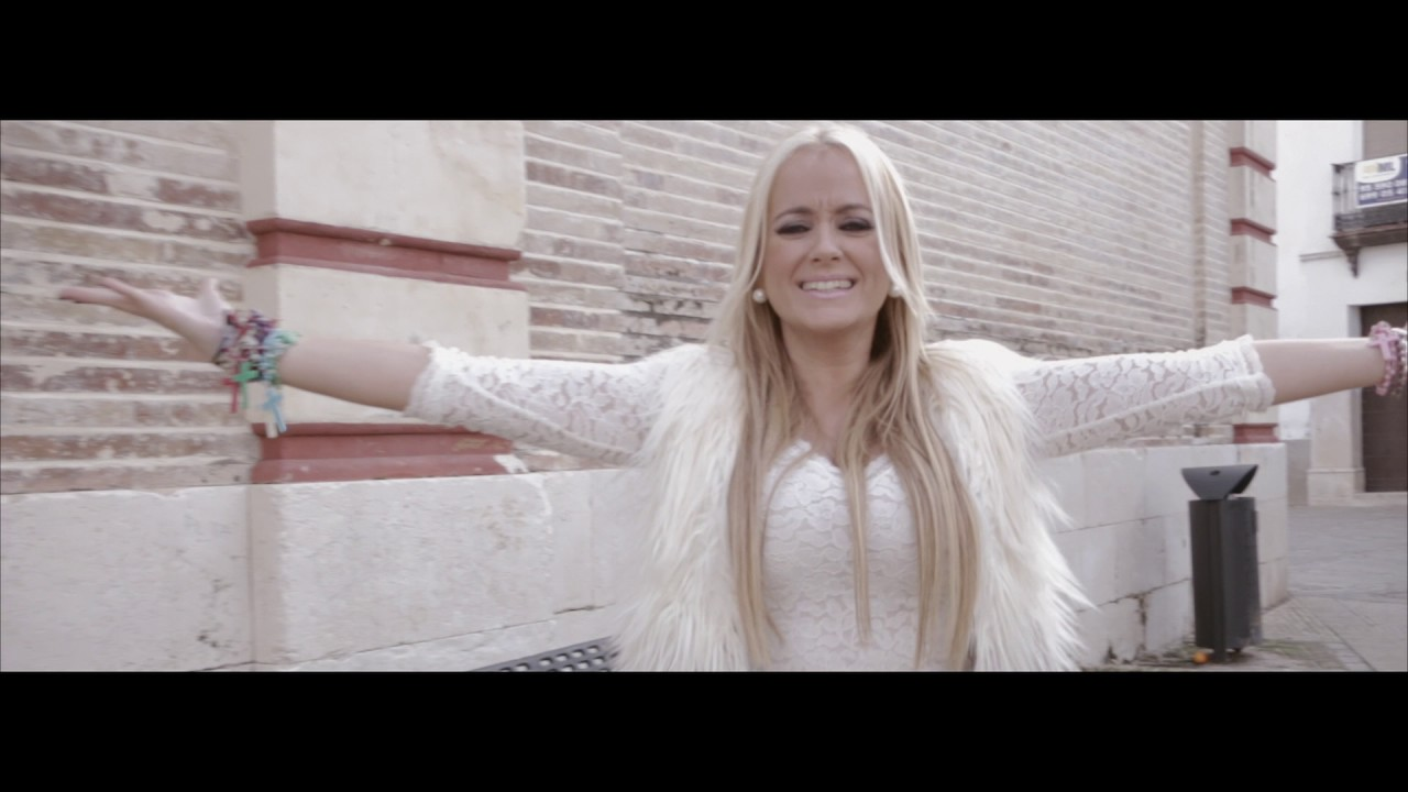 Download LA HÚNGARA -La niña bonita (Videoclip oficial)