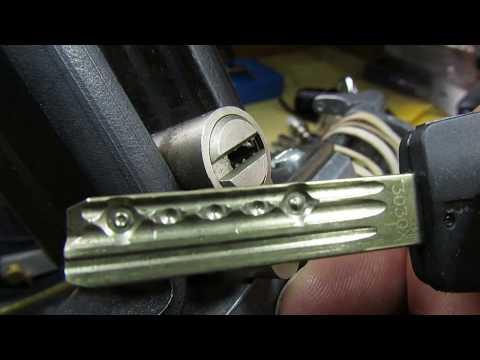 Взлом отмычками Mul-T-Lock Classic  (310) Mul-T-Lock Classic Picked & Gutted ()