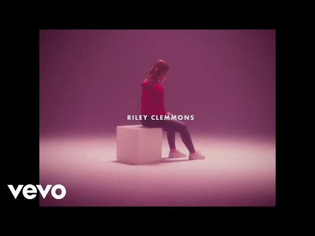 Riley Clemmons – Hold On