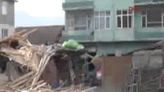 Bursa Orhangazi'de lodos çatıyı aldı götürdü -
