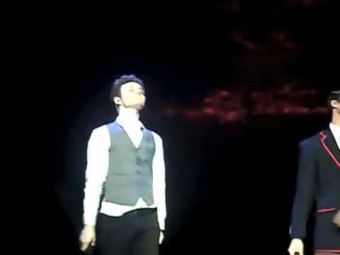 Glee LIVE! 2011 - Final Performance! Klaine & Brittana Kiss! (Ireland) (Multi Angle) (Slow Motion)
