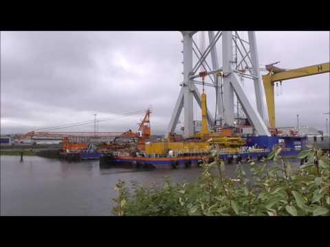 Close up of Svanen Heavy Lift Crane Ship Belfast