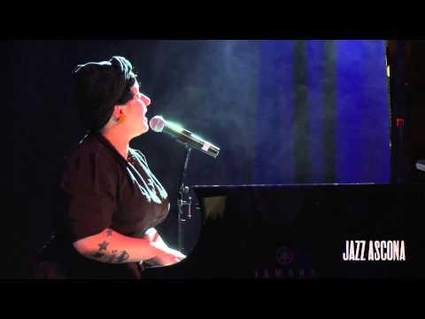 Davina and The Vagabonds - Interview and live concert @JazzAscona2015