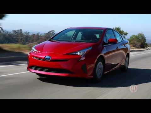 2016 Toyota Prius | 5 Reasons to Buy | Autotrader