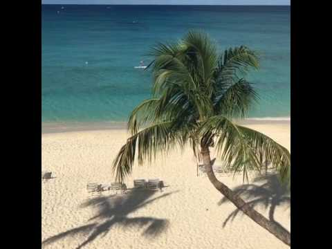 Seven Mile Beach / Caribbean Club Penthouse Villa
