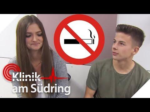 Schüler rauchen auf dem Schulhof! Jetzt müssen sie ins Krankenhaus! | Klinik am Südring | SAT.1