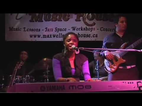 Joni NehRita, Live at Maxwell's Music House