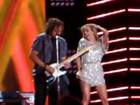 "Julianne Hough - ""That Song In My Head"" (2010 CMA Music Fest)"