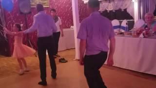 Свадебный батл... Вы в танцах...