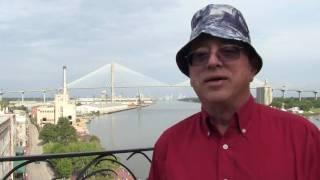 Savannah - Walk in Historic District