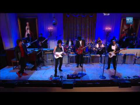 "Buddy Guy, Mick Jagger, Gary Clark Jr., and Jeff Beck Perform ""Five Long Years"""