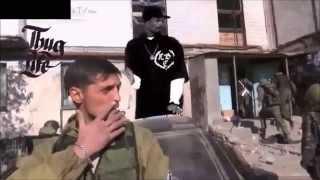 düşen bombayı iplemeyen asker