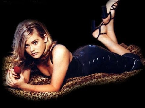 Alicia Silverstone hot photoshoot
