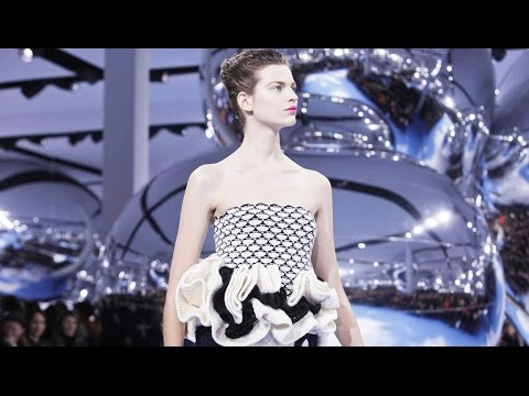 Dior | Fall Winter 2013/2014 Full Fashion Show | Exclusive
