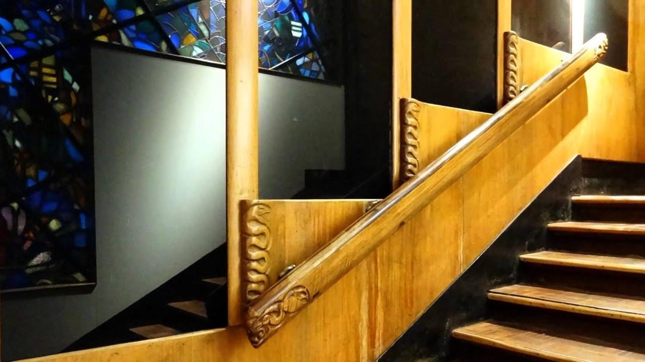 trappenhuis van de bijenkorf in den haag amsterdamse