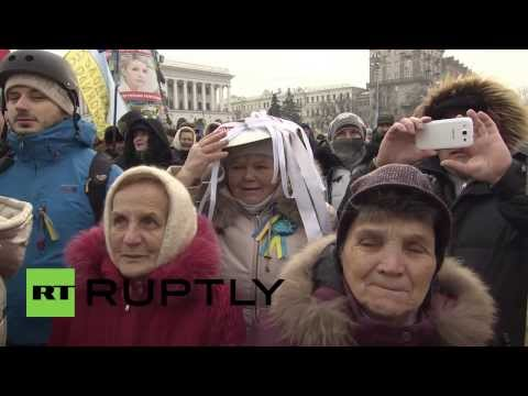 Ukraine:  Kiev protesters sport pots and pans to resist new protest law
