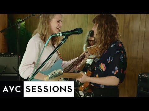 Watch the full Marika Hackman AVC Session and Interview
