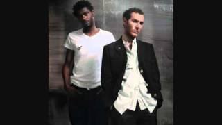 Massive Attack - Paradise Circus feat. Hope Sandoval.wmv