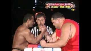 IFBB pro George Farah vs sumo champion Akebono in arm wrestling