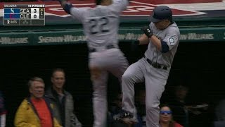 SEA@CLE: Seager smashes back-to-back homer to center