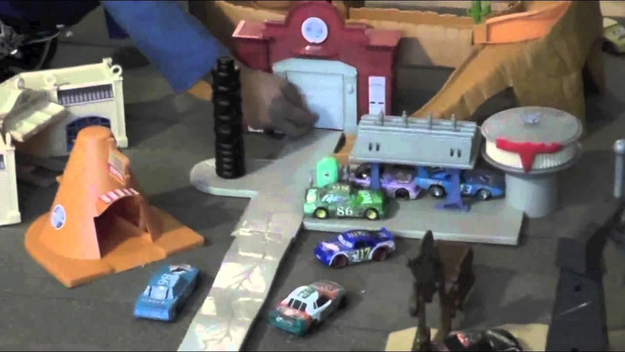 Disney Pixar Cars  Return To Radiator Springs Vehicle Set